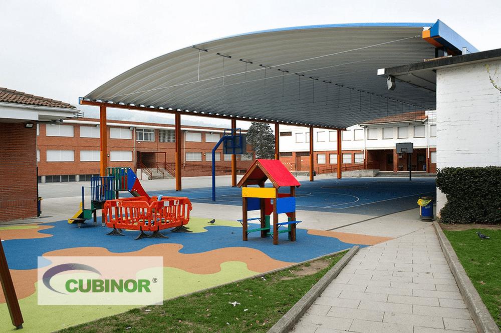 Cubierta autoportante para pista polideportiva de colegio en Derio, País Vasco