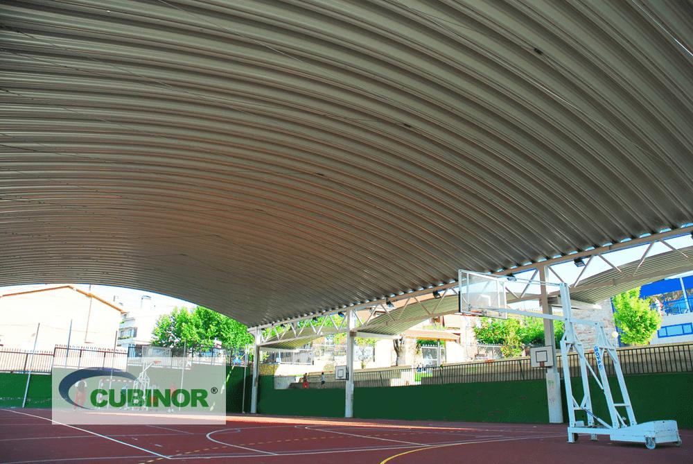 Cubierta autoportante para pista polideportiva con grada en San Agustín de Guadalix, Madrid