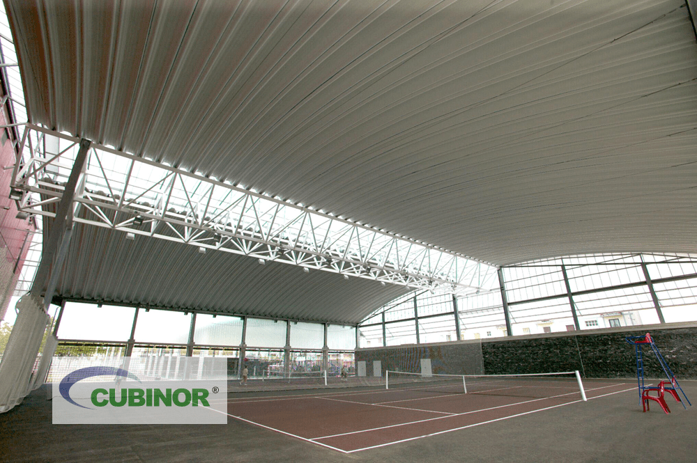 Cubierta autoportante para pistas de tenis en complejo deportivo Michelín Lasarte, Guipúzcoa