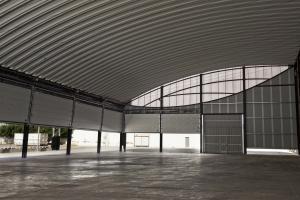 Cubierta autoportante con portones polideportivo  municipal La Vilavella