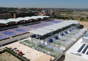 cubierta autoportante pistas de pádel Ciudad de la Raqueta en Madrid