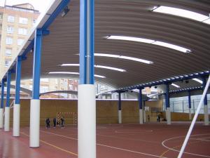 cubierta autoportante pista polideportiva colegio Patronato de San José, Gijón