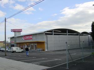 Centro comercial en Luanco