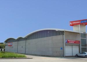 Cubierta autoportante  centro comercial en Luanco
