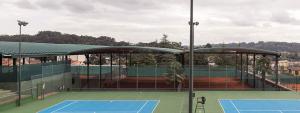 cubierta autoportante pistas de tenis y pistas de padel Club de Tenis de La Coruña, Oleiros